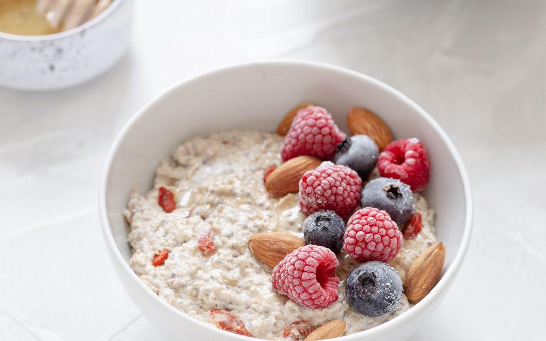 Oatmeal … 6 reasons to enjoy it for breakfast!